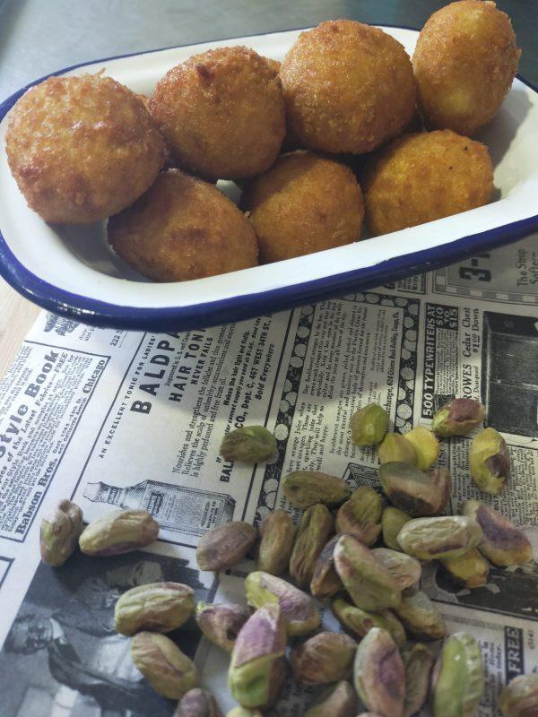 croquetas caseras de pistachos